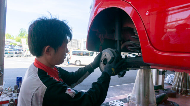 車検の作業の様子